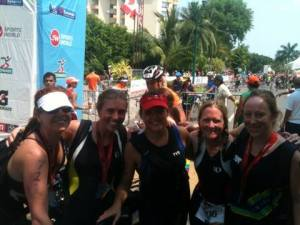 Start of the race in Ixtapa. Our international crew.